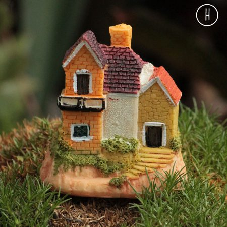 miniature cottage style h